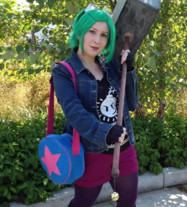 Vote for the Mary Sue's GGHQ cosplay winners!